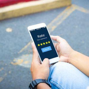 Artikelbild von Online-Bewertungen von zufriedenen Kunden erhalten