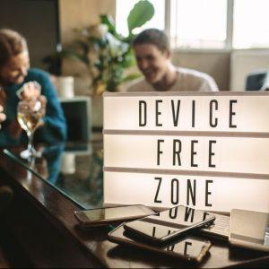 Artikelbild von Digital Detox? Warum du dir eine Auszeit von deinem Smartphone gönnen solltest