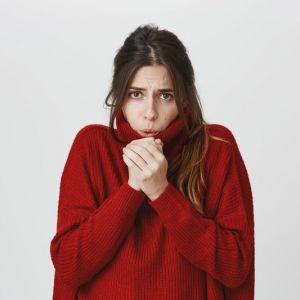 Artikelbild von 7 Tipps gegen Kälte und Frieren im Büro